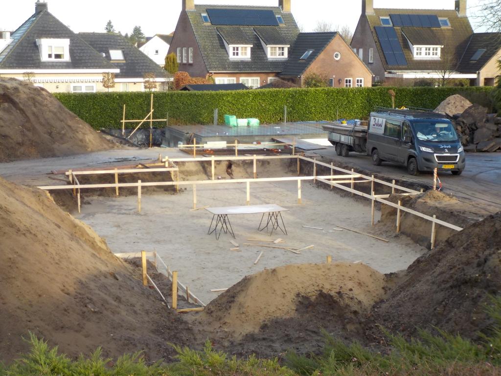 Grondwerk Bouwraam Fundering en kelder gereed garage Villa Vlijmen architect aannemer