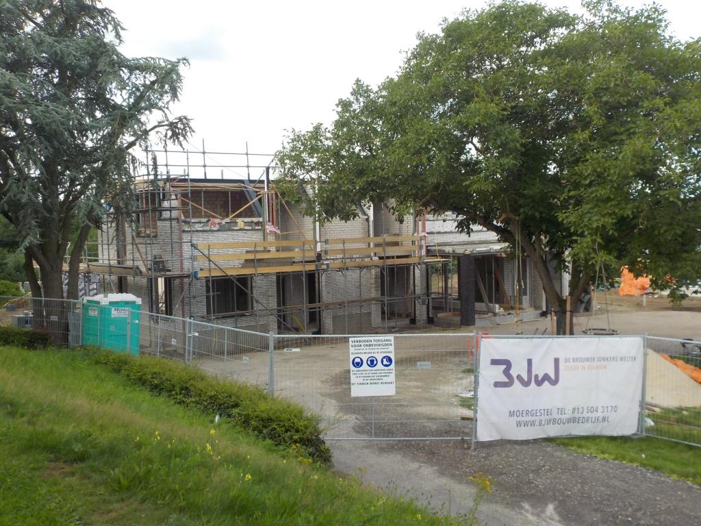 Villa in aanbouw Heidijk Vlijmen buitenmetselwerk uitbouw leefkeuken