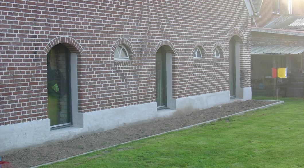 Oude gevelopeningen voorzien van ramen