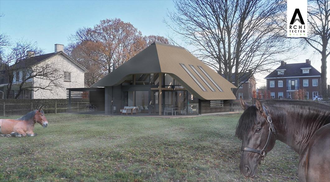 Achterzijde woonboerderij met veranda door dakoverstek